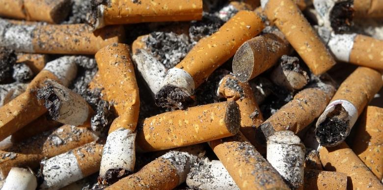 cigarette-end-2454643_1280.jpg