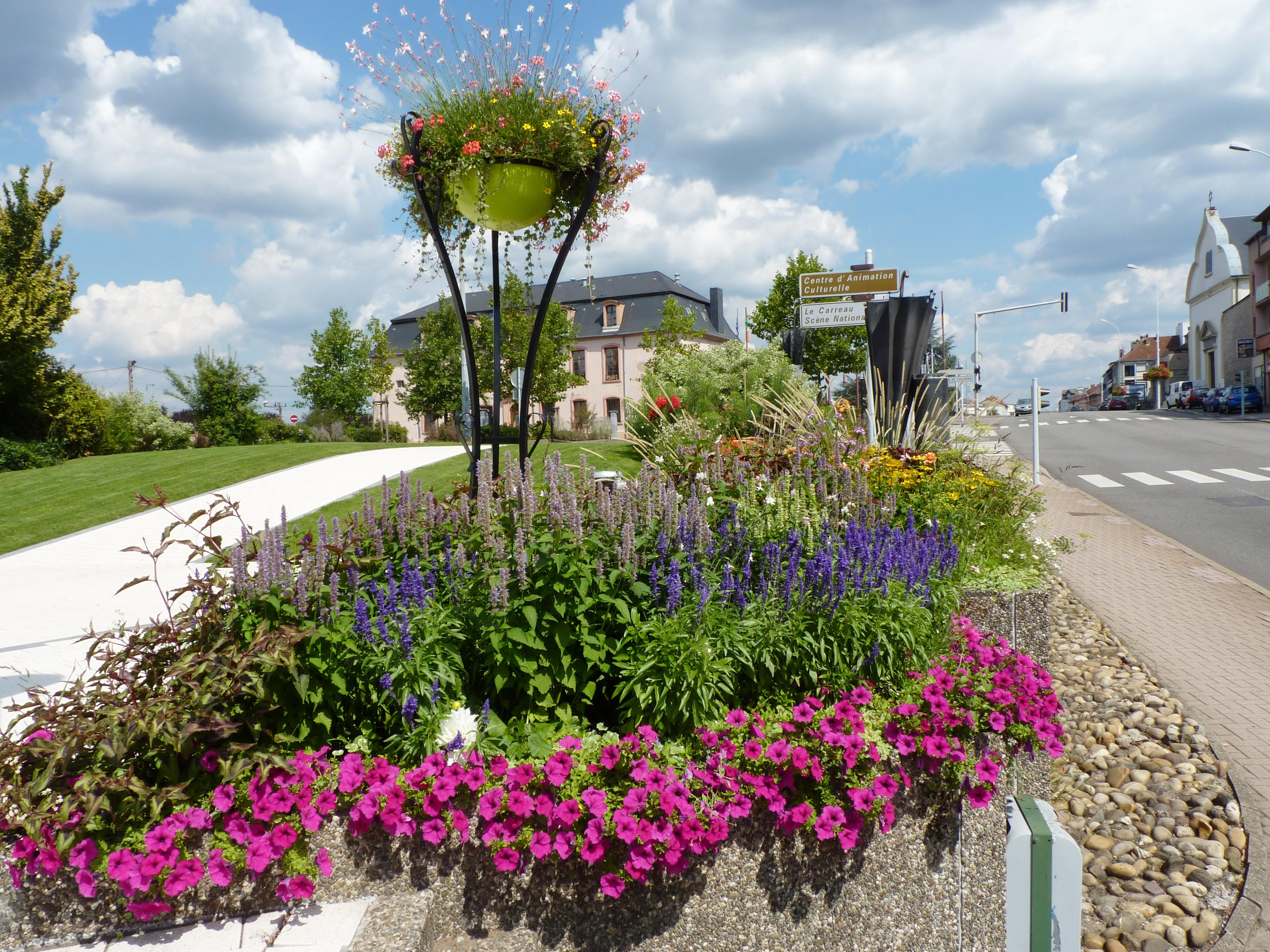 Fleurissement Avenue Saint-Rémy à Forbach